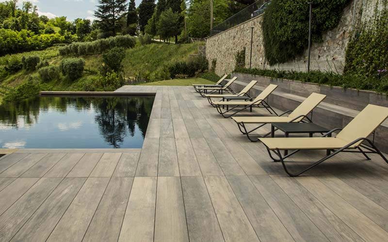 How To Construct Exceptional Pool Surrounds And Pool Landscaping